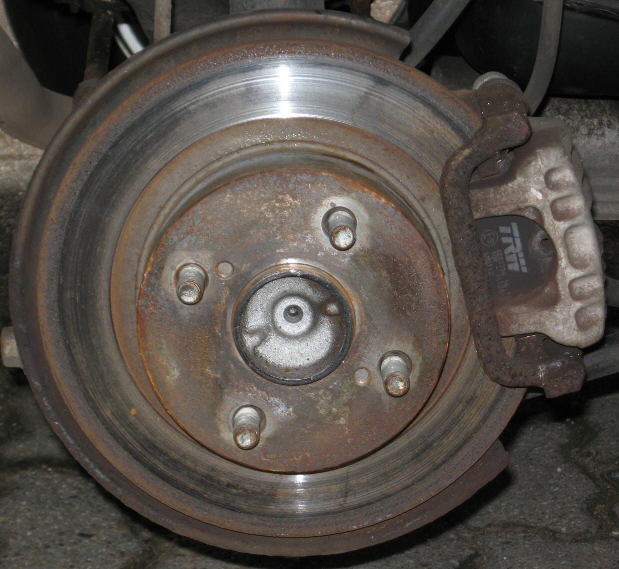 Toyota Corolla E12 Bremsen Bremsscheiben mit Bremsbeläge für hinten Hinterachse